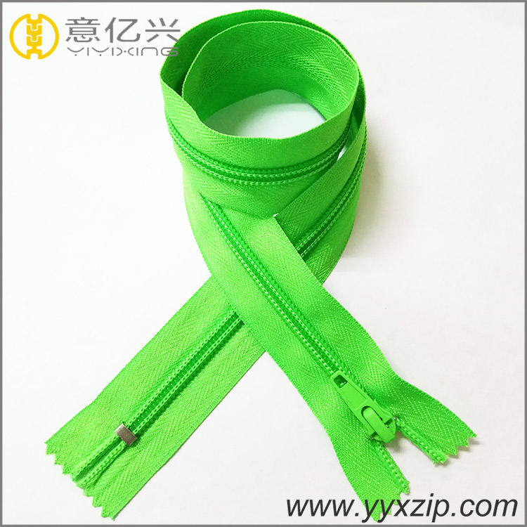 New Coming Fine Design Wholesale Shiny Green Nylon Zippers For Clothes